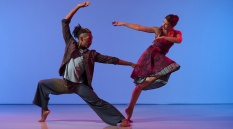 Richard Alston Dance Company - Ihsaan de Banya and Jennifer Hayes in Gypsy Mixture. Image by Chris Nash